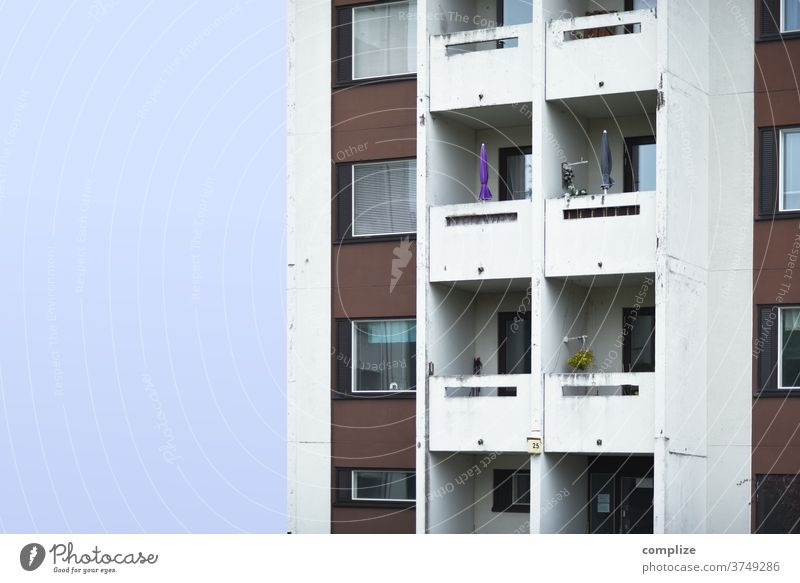 live better Deserted Wall (building) Facade Balcony Wall (barrier) Downtown Outskirts High-rise Town House building Moving (to change residence)