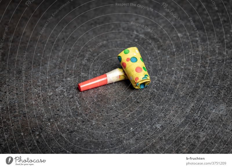 Party whistle, air trunk, noisemaker, whistle carnival-strewn toot Feasts & Celebrations Carnival Birthday Happiness Event Pipe Carnival whistle Individual Lie