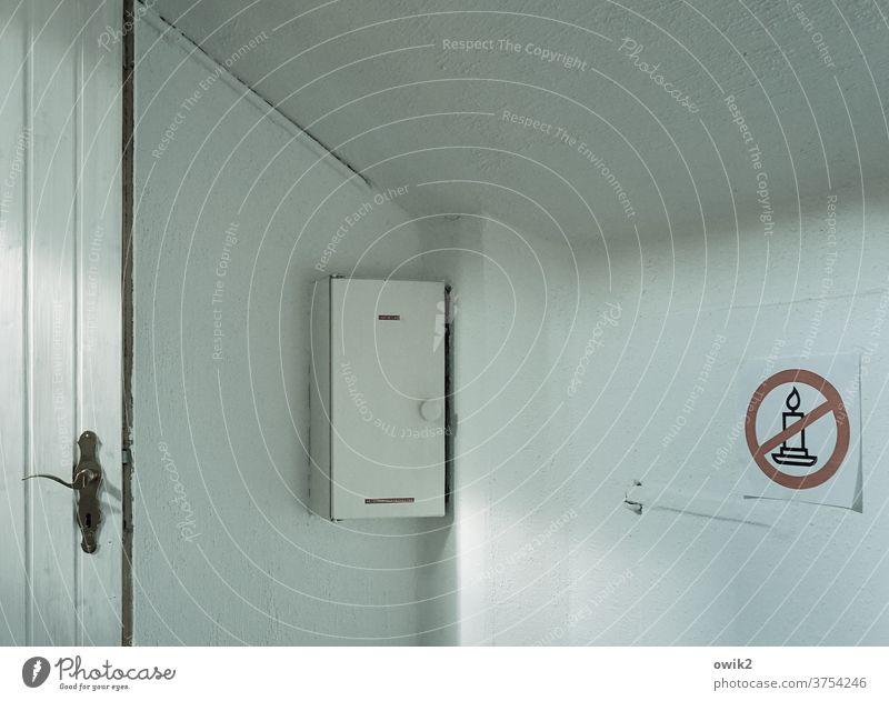 pretext Corner Hallway Wall (building) wood Room Living or residing Interior design Wall (barrier) door handle Door handle Fuse-box Sign Pictogram