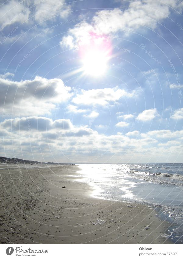 Water Sky White Sun Ocean Blue Beach Calm Clouds Far-off places Relaxation Gray Warmth Sand Landscape Bright