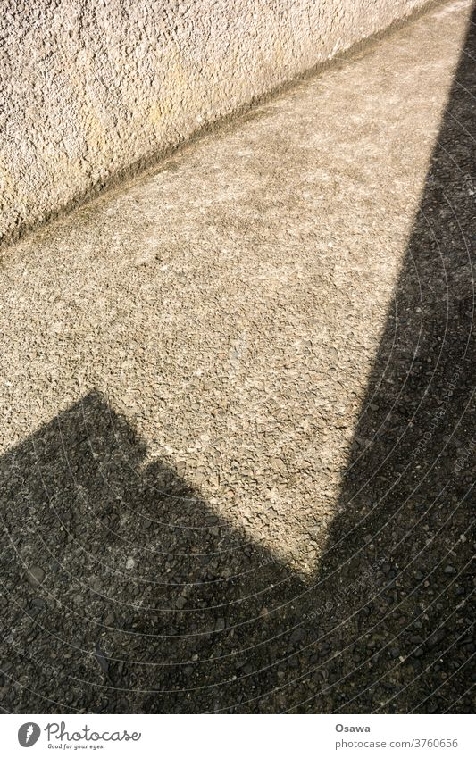 shadow Shadow Shadow play built Part of a building Wall (barrier) Wall (building) Sunlight Corner angles Gray bailer roughcast Diagonal Day