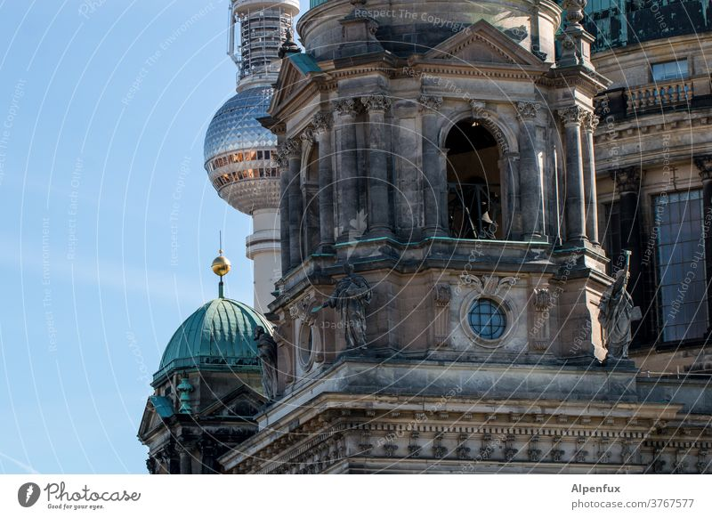 Unit Berlin Cathedral Berlin TV Tower Dome Capital city Architecture Downtown Tourist Attraction Landmark Exterior shot Television tower Sky Downtown Berlin