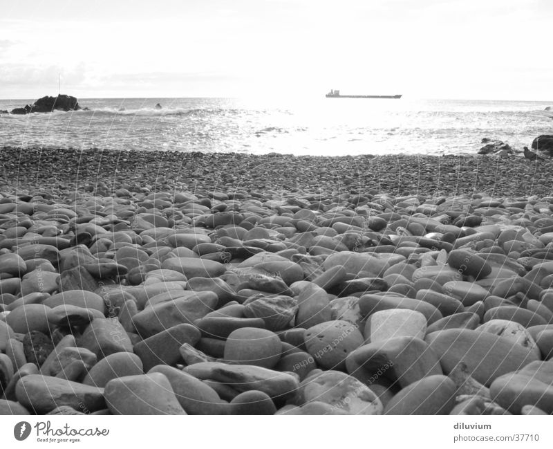 bocca d'asse Ocean Beach Black White Italy Stone