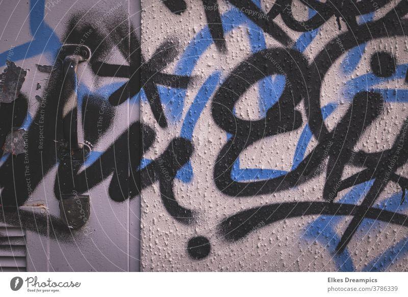 Switch box, sprayed with black-blue paint Door lock switch box Metal Door handle graffiti