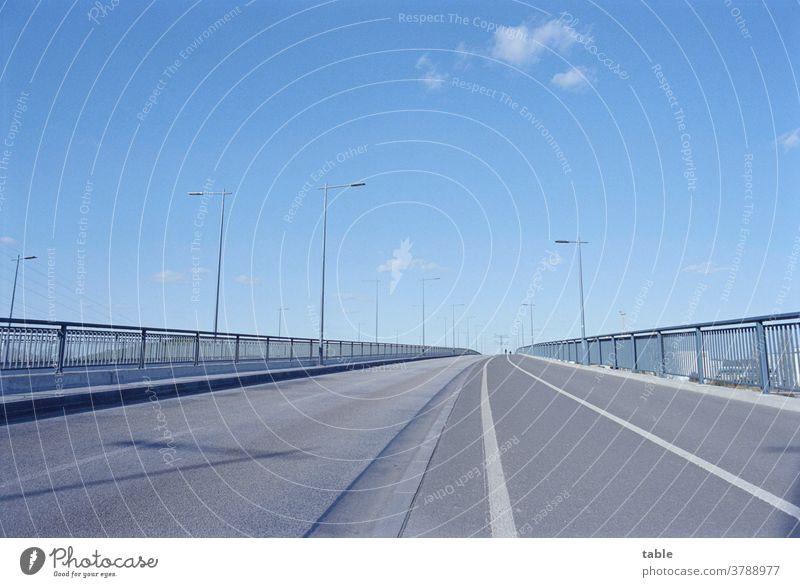 Car Free City Bridge Street Pavement Bridge railing Sky Exterior shot Deserted Traffic infrastructure Lanes & trails Town Transport Day Road traffic