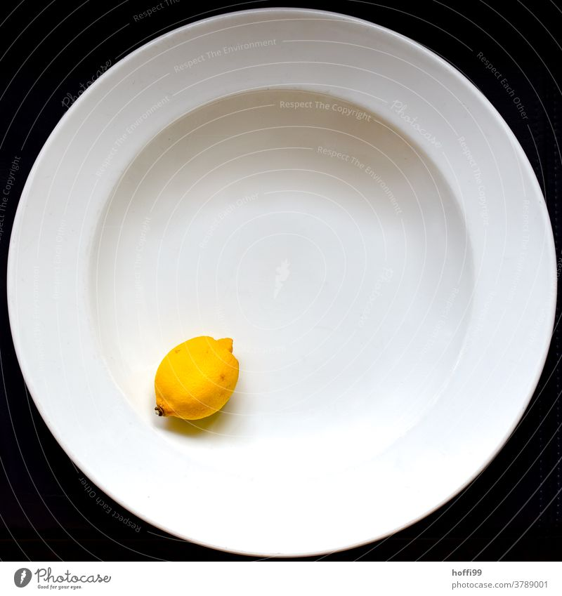 Plate with lemon Lemon Still Life Minimalistic Fruit Healthy Eating Food Nutrition cute Delicious Organic produce Fresh Food photograph Vegetarian diet Vitamin