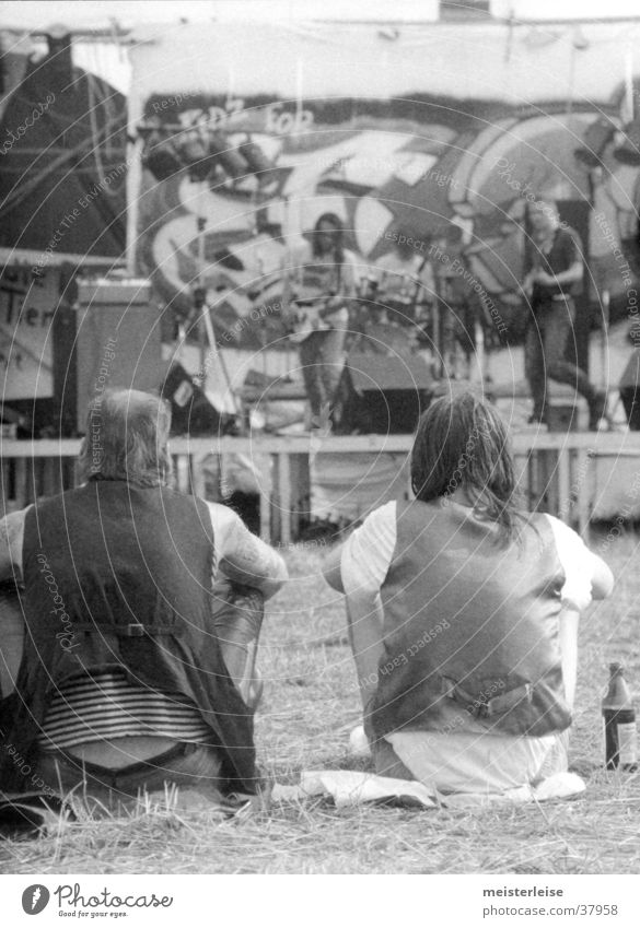 Human being Man Masculine Drinking Punk Concert Music festival The eighties Rocker Outdoor festival
