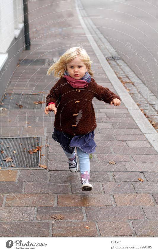 smilla runs Running Walking Jump Child Autumn Autumnal Girl Human being Street off Sidewalk Movement Playing Town Infancy Happy Happiness