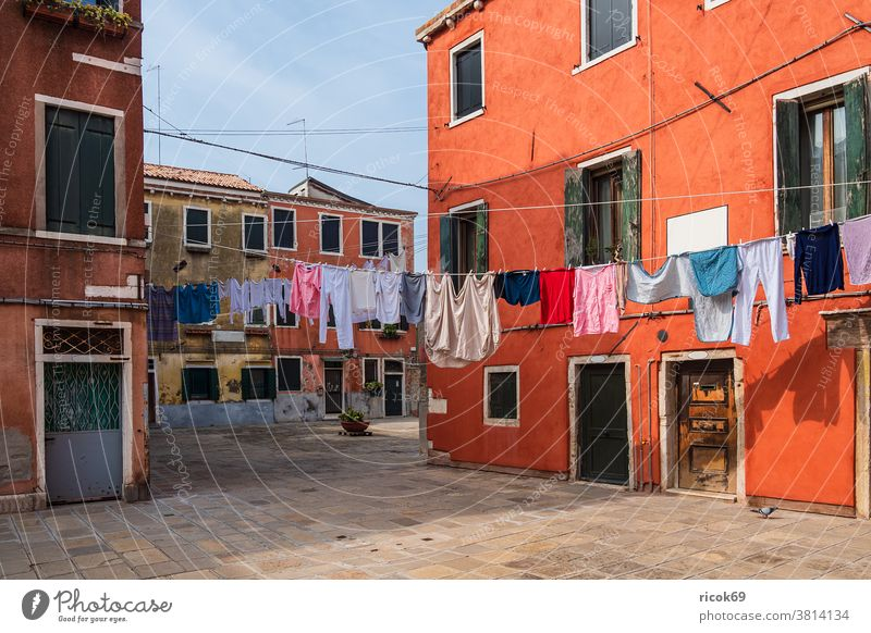 Historical buildings and clotheslines in the old town of Venice in Italy vacation voyage Town Architecture House (Residential Structure) Building Old