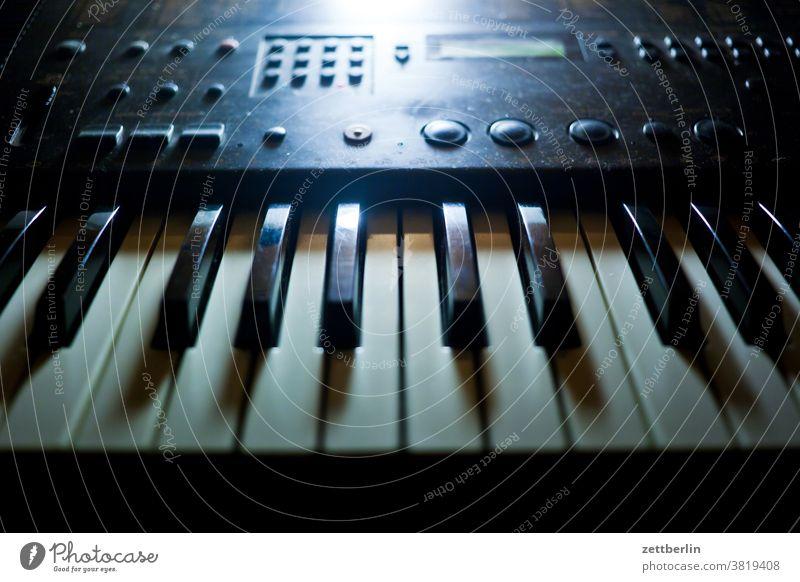 Old keyboard Keyboard keyboard instrument Piano Music tool Musical instrument studio Concert knob Controller register Tone semitone E-piano technics Analog