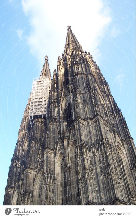 Sky Religion and faith Architecture Cologne Manmade structures Dome Church spire