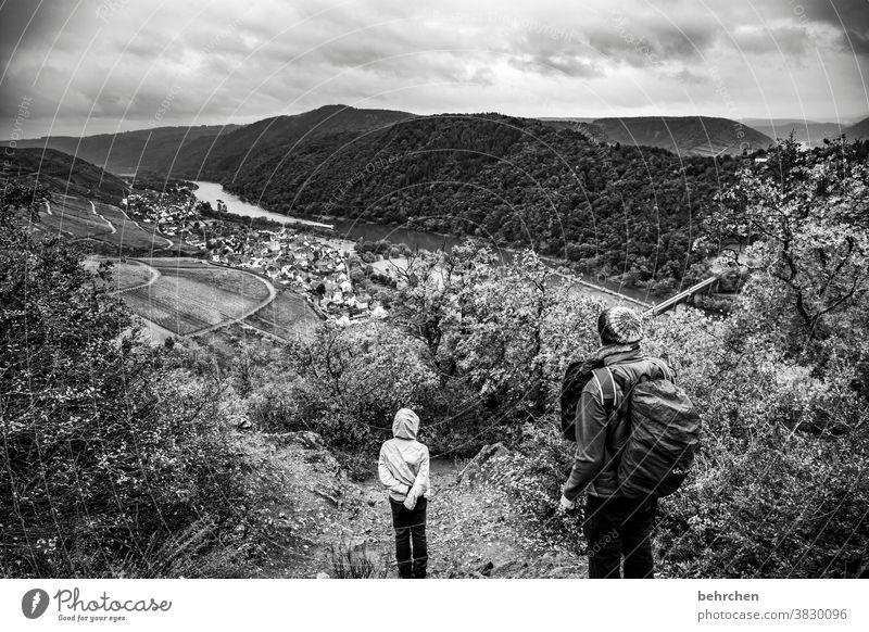 moseldramaqueen Vineyard Father Autumnal Seasons Rain Son Infancy Child hikers Hunsrück Moselle valley Mosel (wine-growing area) River bank Rhineland-Palatinate