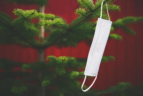 Mouthguard / Mask hangs from a fir tree Christmas & Advent corona Decoration Christmas tree Hang Christmas decoration pandemic Festive Fir tree