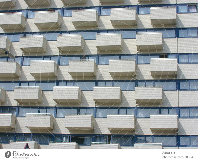 Sun House (Residential Structure) Wall (barrier) Architecture Uniqueness Balcony Row Impression Regular Drop shadow