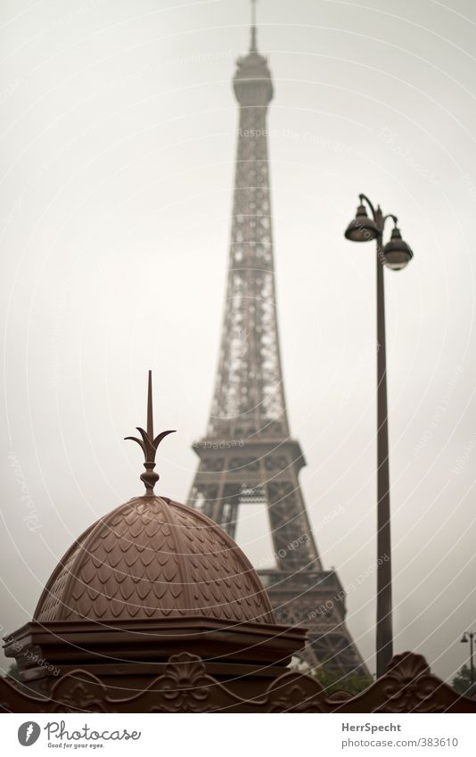 Paris morning Sky Bad weather France Town Capital city Downtown Manmade structures Tourist Attraction Landmark Monument Eiffel Tower Old Esthetic Historic Brown
