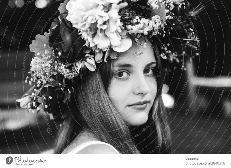 Martas midsummer dreams flowers Life Joy Elegant Leisure and hobbies Harmonious Summer Adventure Feminine Summer vacation Youth (Young adults) Mother Brunette