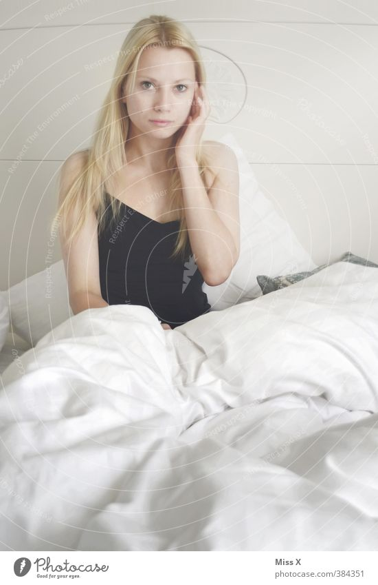 bedtime stories Beautiful Bed Bedroom Human being Feminine Young woman Youth (Young adults) 1 18 - 30 years Adults Blonde Long-haired Sex Dream Eroticism