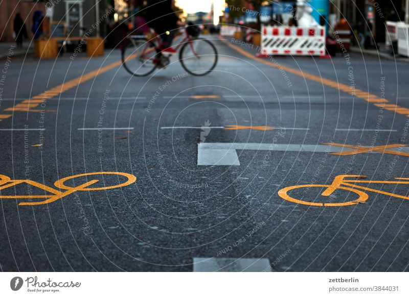 Pedestrian zone Friedrichstraße Turn off Asphalt Highway Corner Lane markings Bicycle Cycle path Clue edge Curve Line Left navi Navigation Orientation Arrow