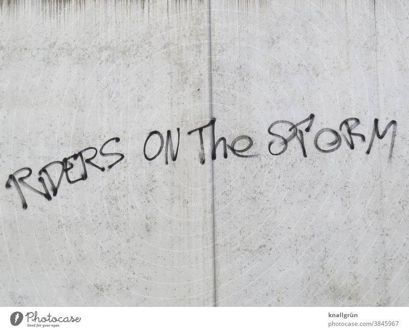 Riders on the storm Song Text Graffiti the doors Message Death Verse Mystic 70s Jim Morrison Characters Wall (building) Wall (barrier) Exterior shot