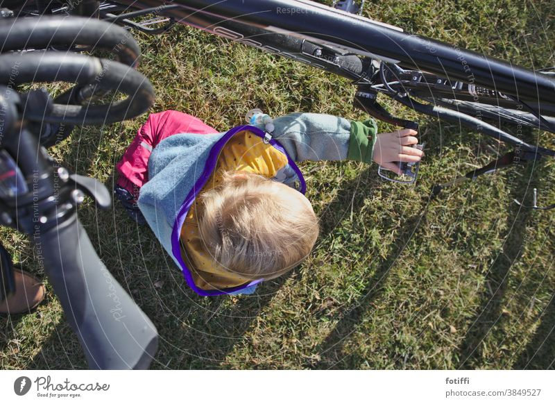 Understanding the wheel Child Bicycle experienced Comprehend Rotate Playing Toddler Exterior shot Human being Infancy Lawn Garden out Summer Happy