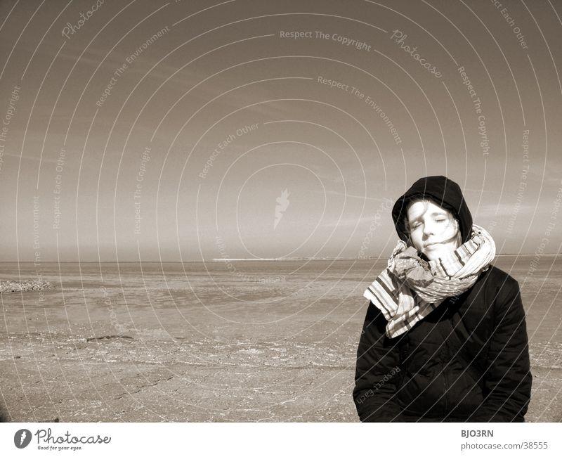 Woman Water Sky Ocean Face Eyes Far-off places Lake Coast Nose Horizon Infinity Cap Scarf Mud flats
