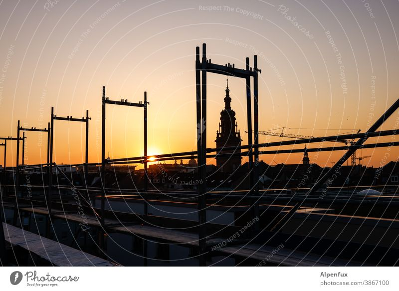 Art on the building | in the frame Scaffolder Church Sunset Exterior shot Facade Construction site Building Deserted Colour photo Twilight Sky Redecorate