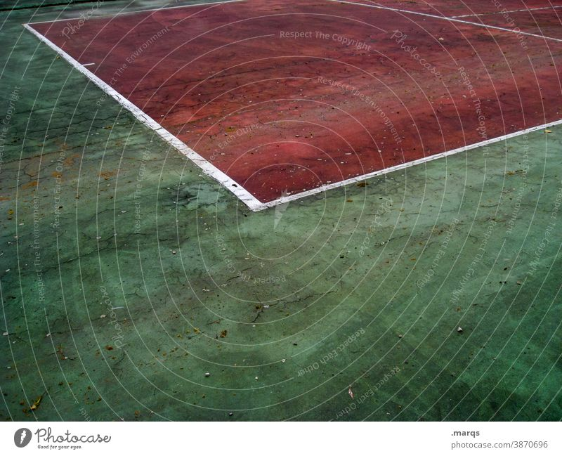 Tennis court Line Competition mark Marker line Red White Green Floor covering Playing field Playing field parameters Sporting Complex Success Sporting event