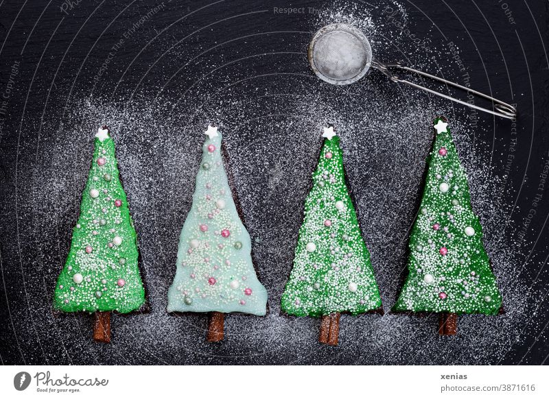 700 / Four fir trees with icing, icing sugar and moon Christmas four Icing Confectioner`s sugar Baking Cake Christmas & Advent xenias 4 Tree Green