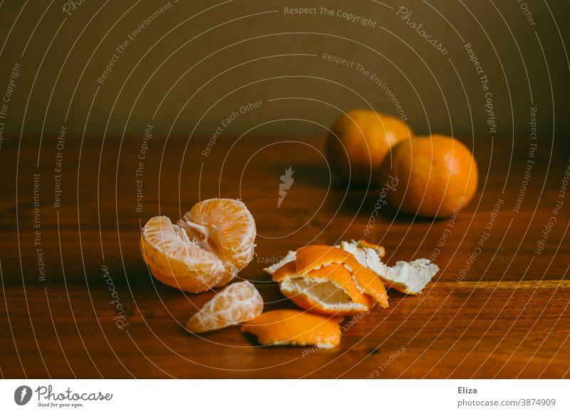 Mandarins on wood mandarins Delicious Tangerine clementine Eating salubriously Winter Fruit fruit Orange vitamins Vitamin C Vitamin-rich Food Fruity peeled