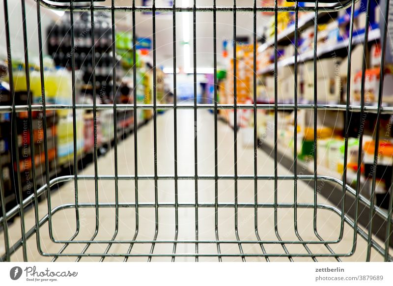 Shopping in the supermarket Selection Demand discount purchasing Shopping Trolley shopping basket Nutrition Eating haufhalle Food Livelihood Covered market