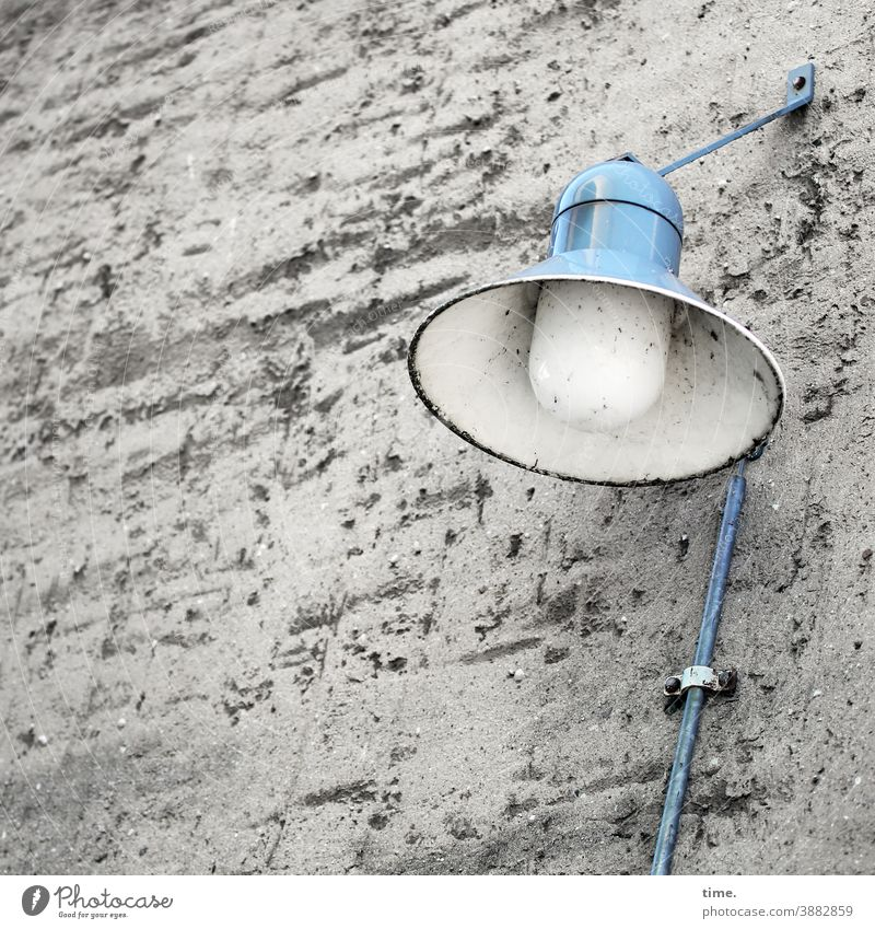 Lightboxes (22) Lamp street lamp Lantern Wall (barrier) Wall (building) Blue light blue Cable Fastening Old Trashy frowzy Rough Surface light source daylight