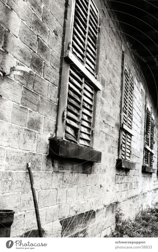 Old House (Residential Structure) Wall (building) Window Building Architecture Rod
