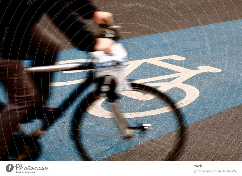 blue turnaround Bicycle Traffic infrastructure Transport Means of transport Road sign Cycling Cycle path Street Lanes & trails Road traffic Mobility Driving