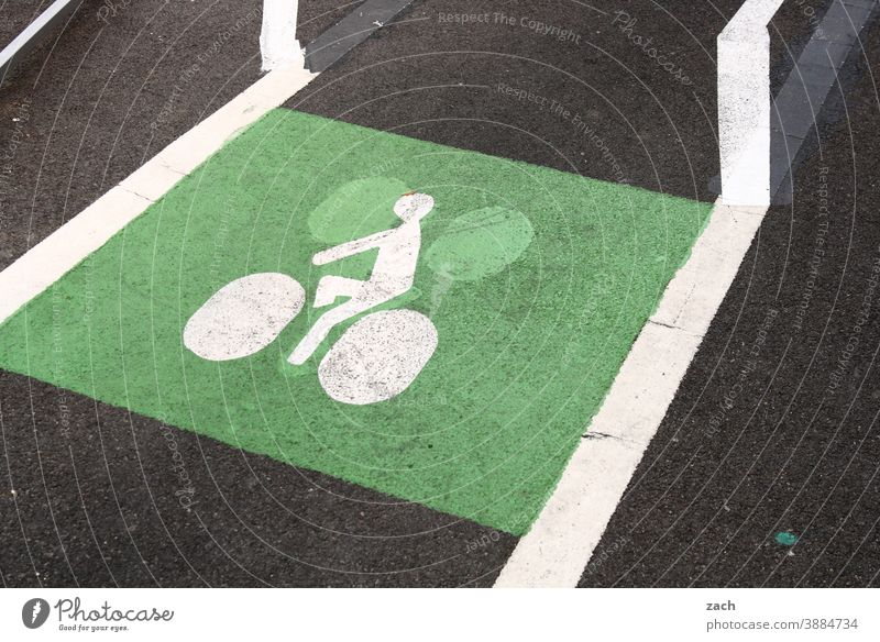 green turnaround Bicycle Traffic infrastructure Transport Means of transport Road sign Cycling Cycle path Street Lanes & trails Road traffic Mobility Driving