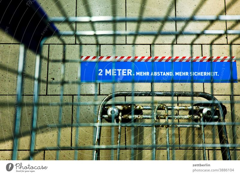 2 meter distance Selection Demand discount purchasing Shopping Shopping Trolley Nutrition Eating Food Livelihood Covered market SHOPPING assortment Supermarket
