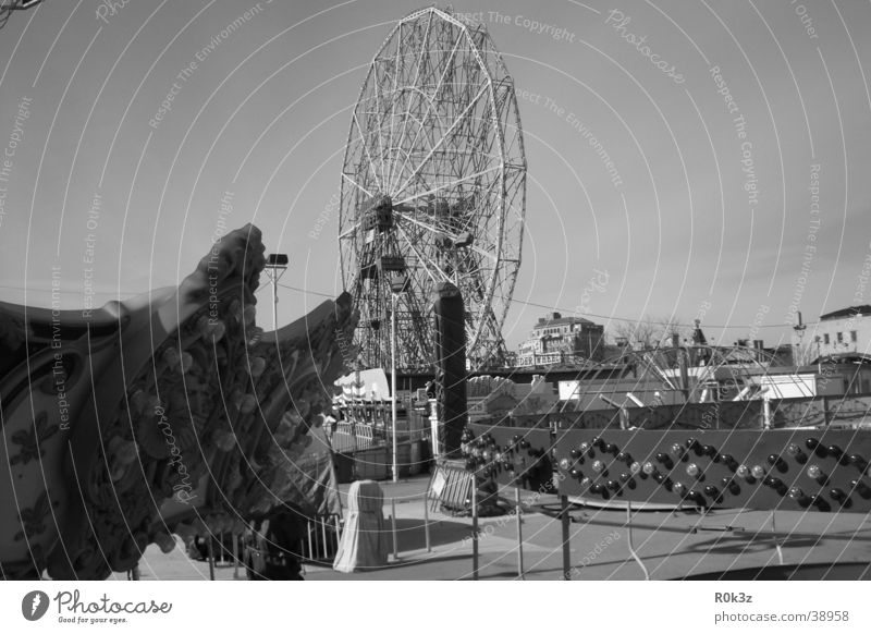 lost Amusement Park Ferris wheel Fairs & Carnivals Leisure and hobbies Coney Island Black & white photo Loneliness fair