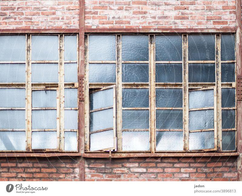 ventilation management (with optimisation potential). Window open Open Exterior shot Living or residing Colour photo factory building