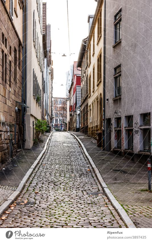 streetlife empty alley Alley Street void Deserted corona Architecture Town pandemic Exterior shot Colour photo Empty lockdown