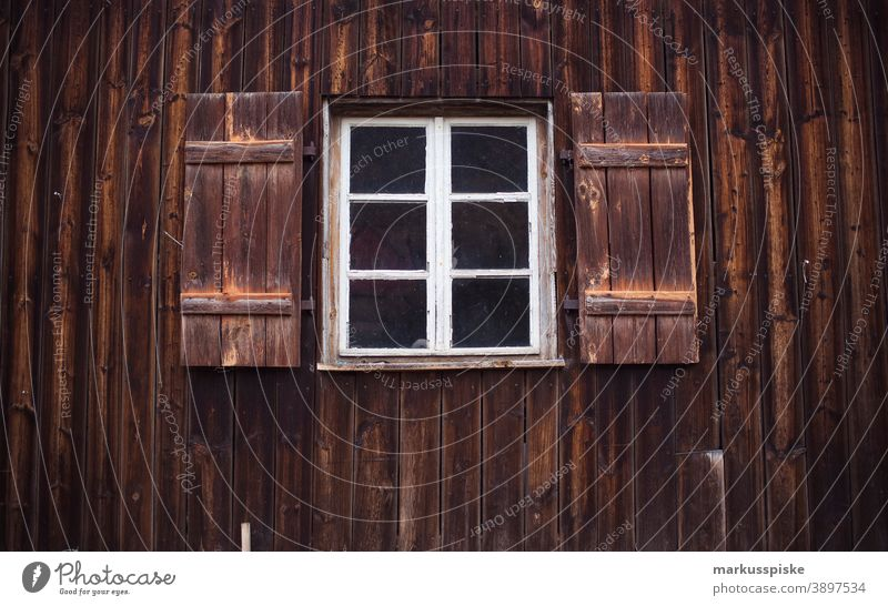 Wood shy windows Wall (building) Facade Garage Window sealing Land consumption Barn vintage Weathered weathering Warehouse Agriculture