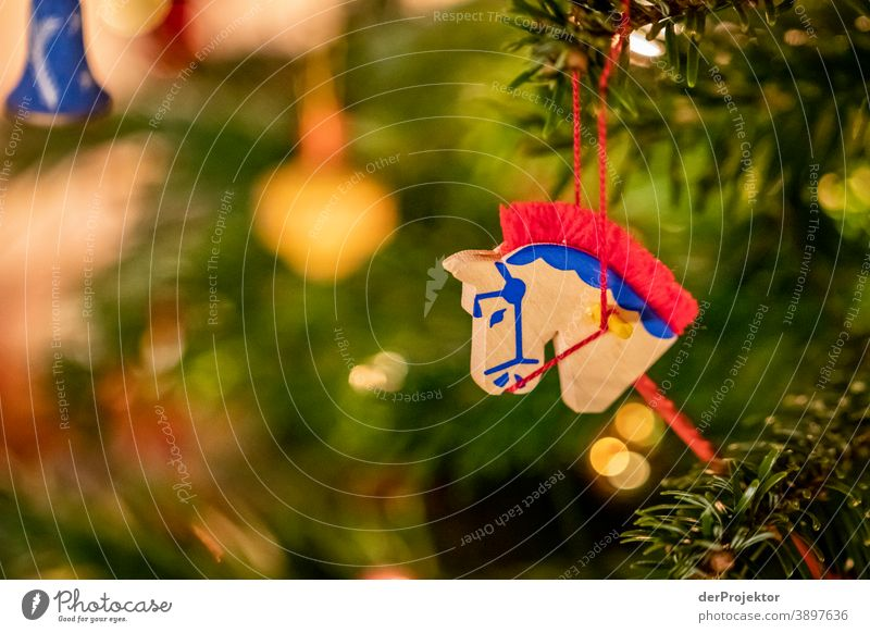 Christmas tree with horse Central perspective Shallow depth of field Light (Natural Phenomenon) Reflection Silhouette Contrast Shadow Night Evening