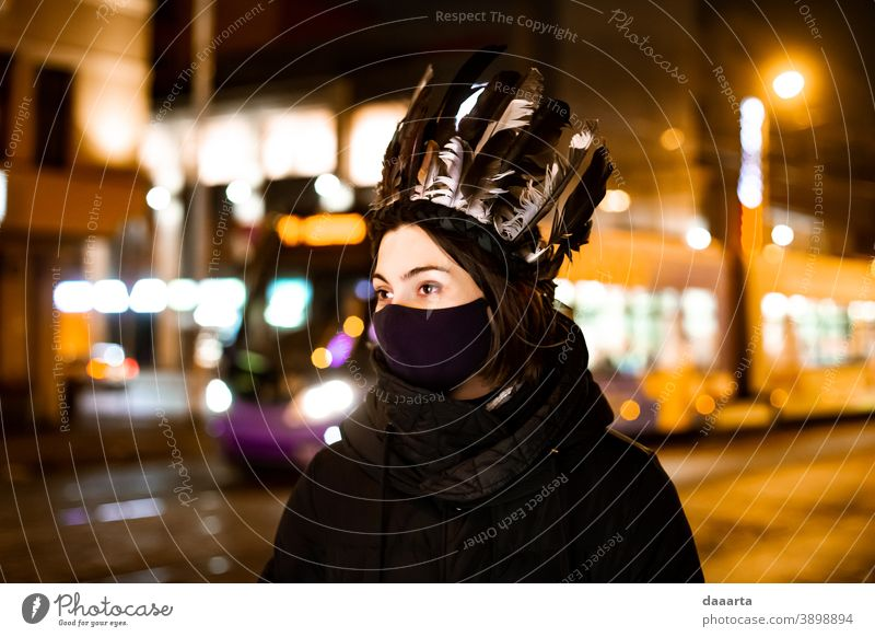 queen Shadow Night Exterior shot Wild Cute Beautiful Happiness Friendliness Street Transport Street lighting Young woman Feminine Going out Sightseeing Freedom