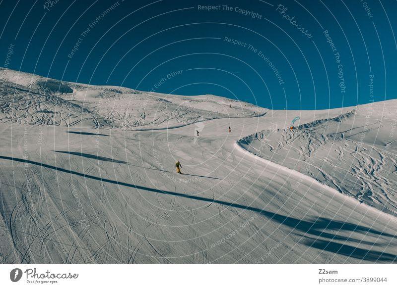 Skifahrer fährt auf der Piste eines Südtiroler Skigebiets | Ratschings erholung südtirol italien natur skifahren snowboarden wintersport landschaft