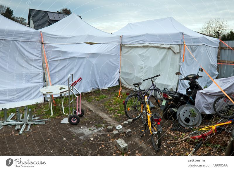 Storage space for various junk Tent campsite Wheel Bicycle Parking lot parking space warehouse Courtyard Backyard Cart bike moped Motorcycle Garden Table Trash
