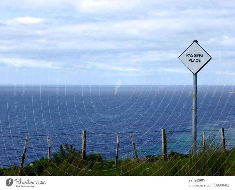 Evasion point with vision... passing Signs and labeling sign Signage Clue Scotland Overtake mooring bay Places passing place Square Maritime Sharp-edged