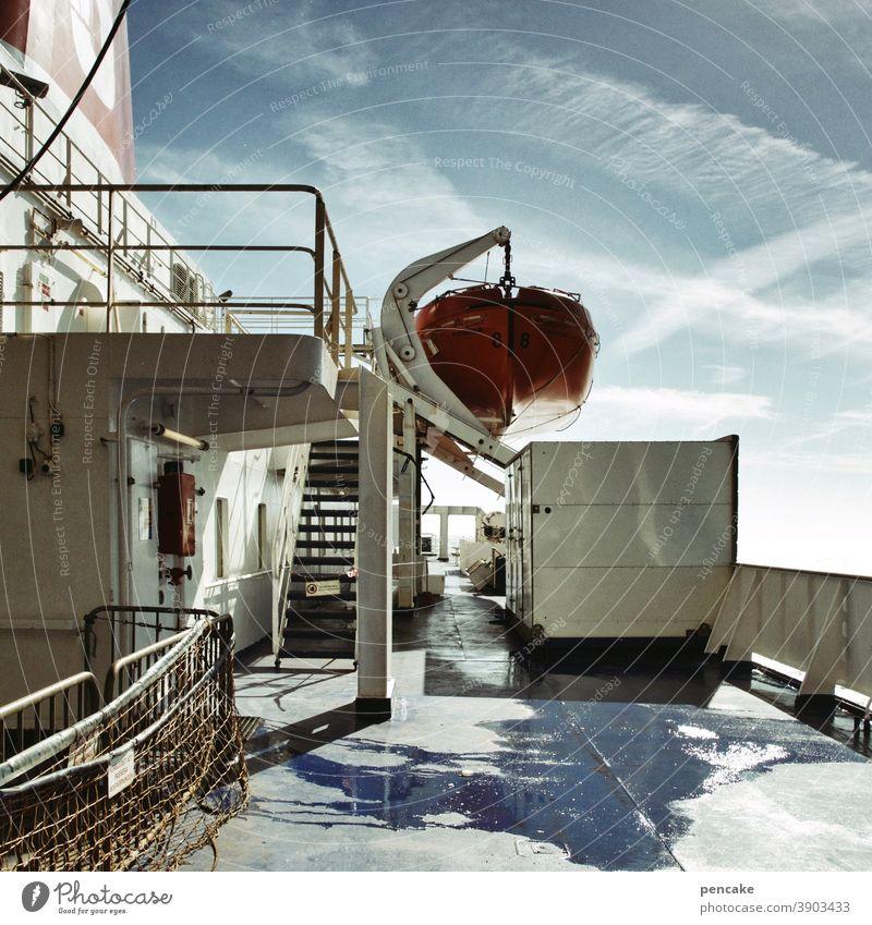 blinder passagier Schiff Fähre Norwegen Überfahrt Oslo Fjord Transport Freiheit Passage Passagier Urlaub Reise Rettungsboot LKW Meer