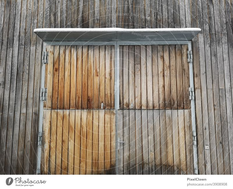 Wooden barn door Barn door Goal Building Wall (building) House (Residential Structure) Hut Deserted Wood, agriculture, trade