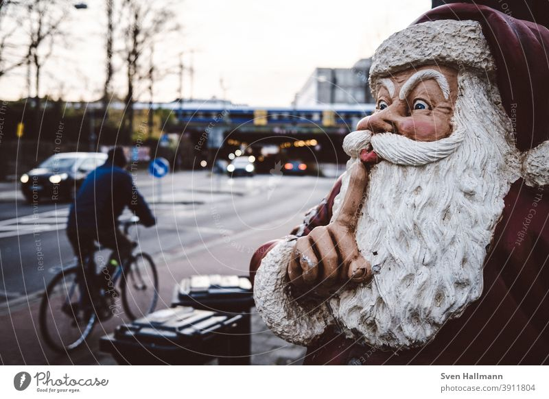 Look, Santa Claus is coming soon Christmas gifts Surprise quiet silent Street Bicycle Cycling dustbin Christmas & Advent Red Winter Gift Feasts & Celebrations