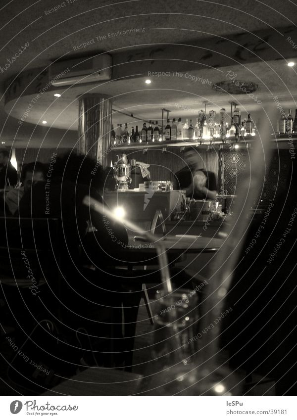 in cash Bar Beverage Gastronomy Human being Alcoholic drinks shaker Blade of grass Roadhouse Black & white photo Moody