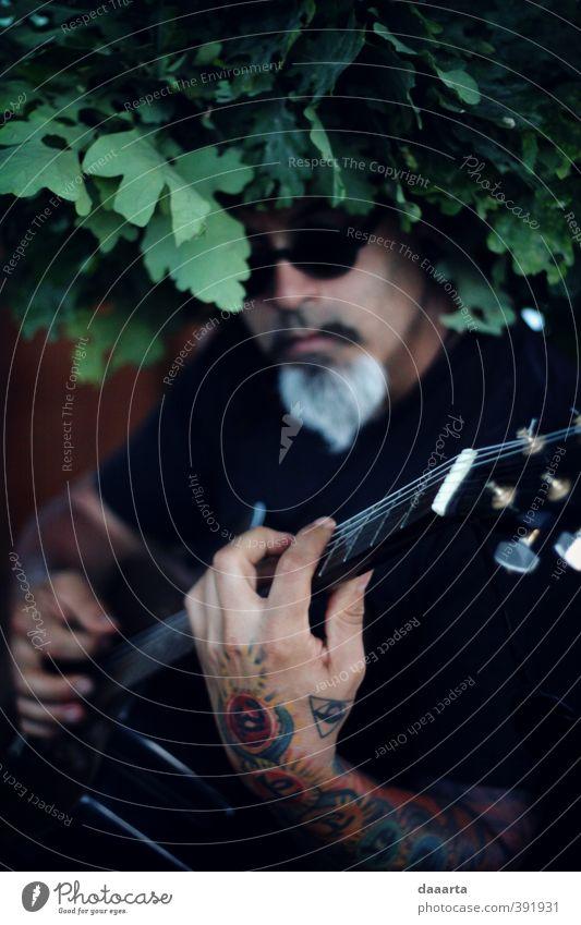 Dante Lifestyle Style Joy Leisure and hobbies Guitar Guitarist Guitar position Tattoo Sunglasses Crown Summer solstice Entertainment Event Music