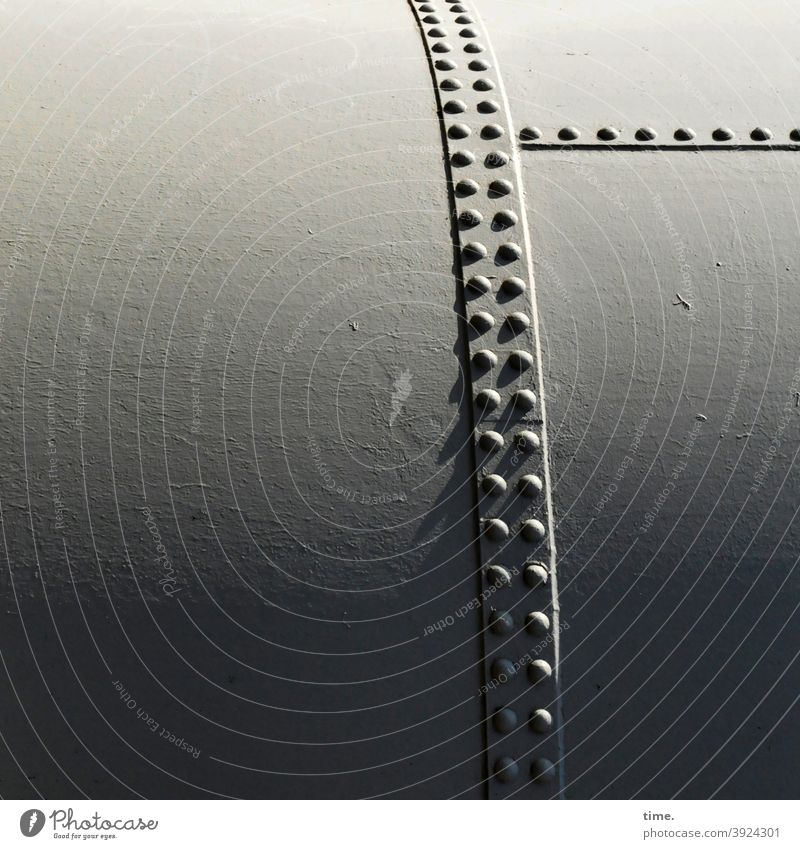 4eyes | Metallika IV Surface Iron Steel Safety points Pattern structure Tank Stud bins Storage Large sunny light progression Shadow